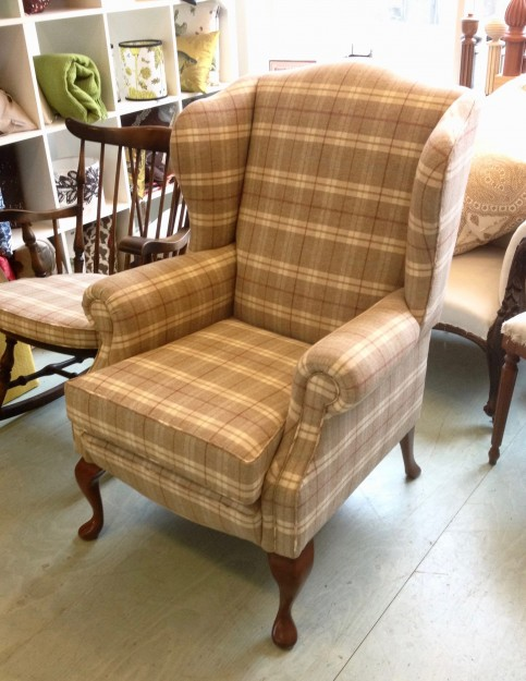 タータンの椅子、もうひとつ。なんともほれぼれするできあがりです。