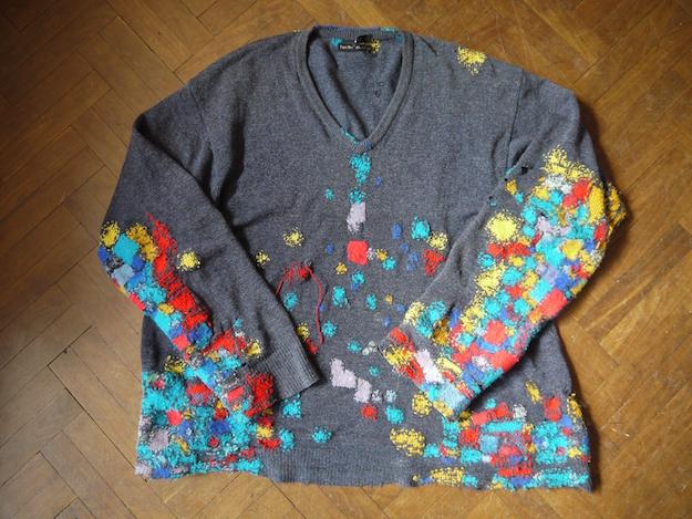 「師匠」レイチェルさんがダーニングを繰り返してき続けているセーター。