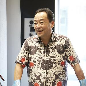 実はこのシャツ、手ぬぐい製です。