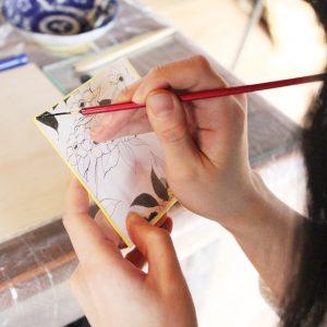 蒔絵筆はとても柔らかいので筆の練習を先に。