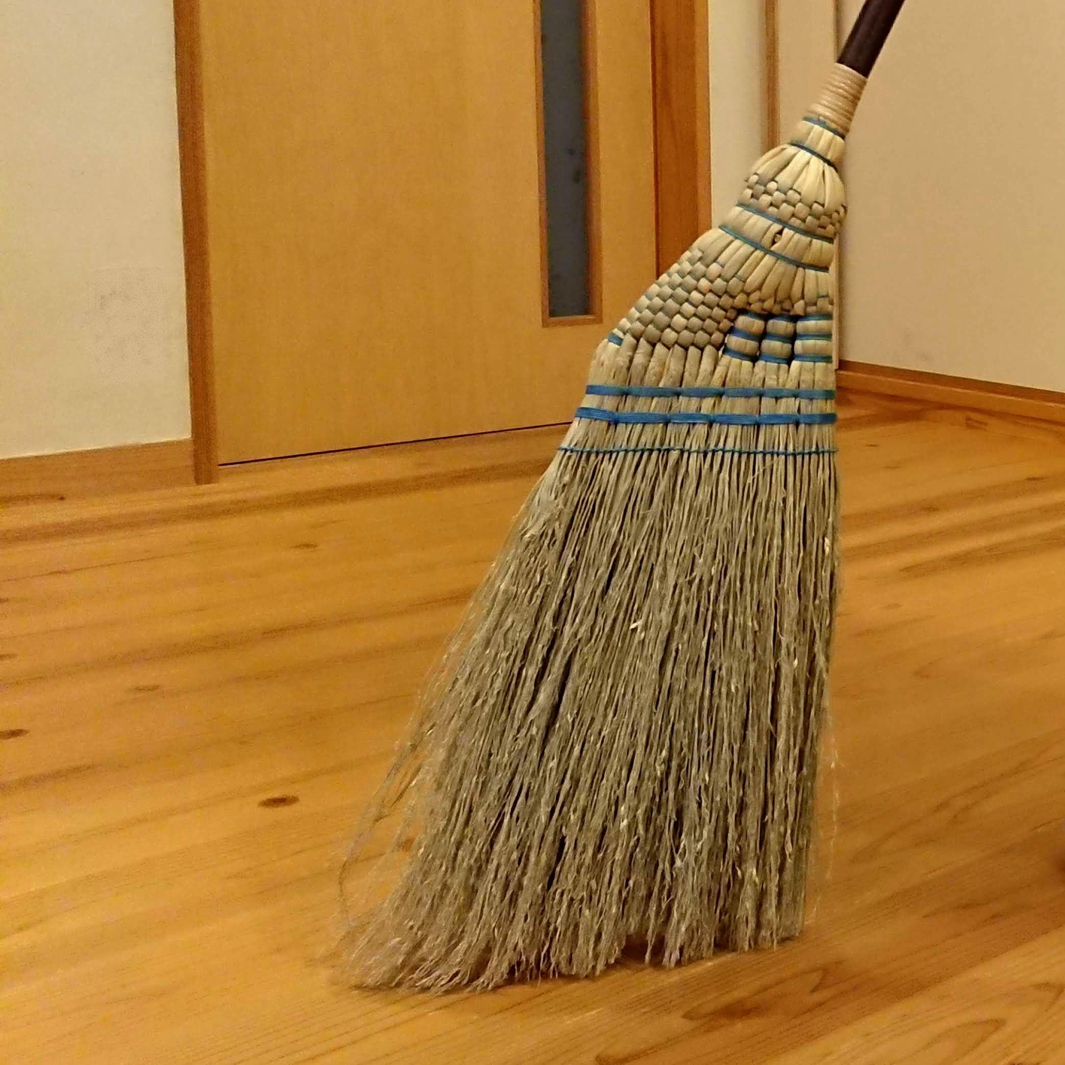 【年末の大掃除を締めるにふさわしい、あなたと職人のコラボで作る手箒】