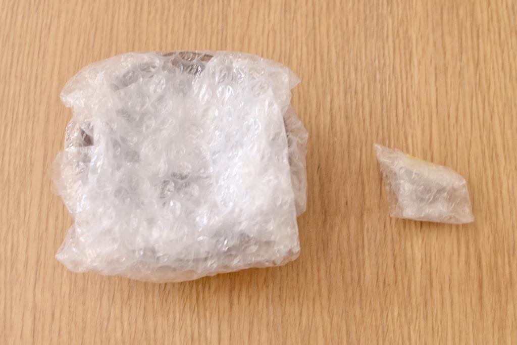 割れた破片がある場合は、破片同士がぶつかって割れるのを防ぐため、できるだけひとつずつ梱包をお願いいたします。