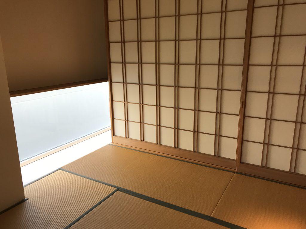 会場のおちあいさんの和室。窓の配置が絶妙。